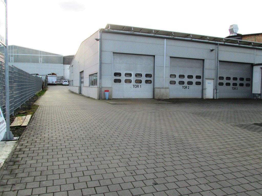 Rolltore + Anlieferung + Zufahrt