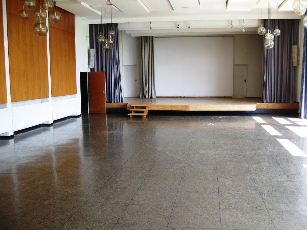 Kinosaal mit Bühne