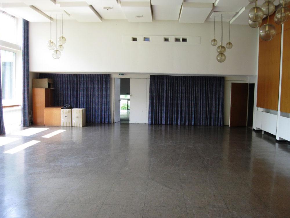 Kinosaal Blick von der Bühne zum Foyer